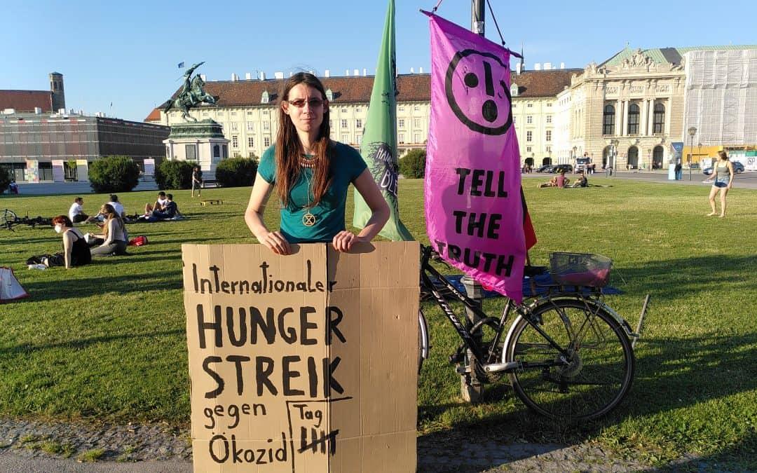 Für Pressefreiheit und ein Ende der Korruption – Zweites Statement von Martha zu ihrem Hungerstreik am Heldenplatz