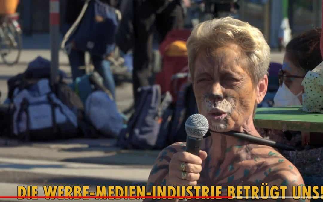 """""""Es muss sein!"""" – Rede der Rebellin Puma bei der Blockade des Franz-Josefs-Kais am 25. September 2021"""